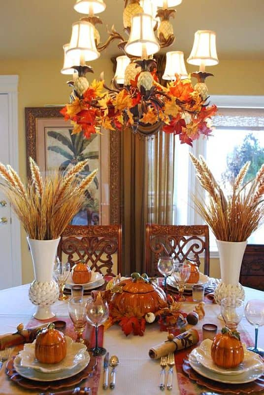 Thanksgiving hanging centerpiece adds so much to the table that way but more space.