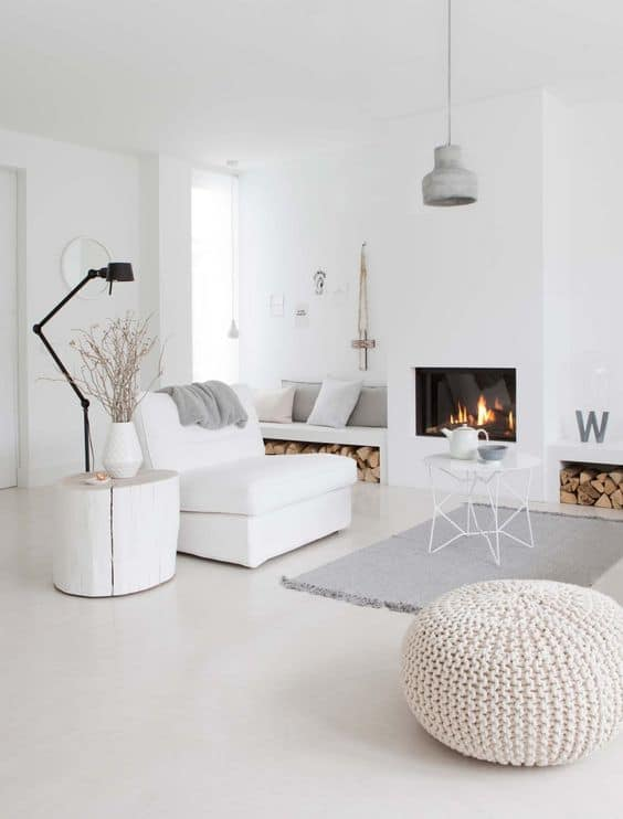 White home looks so crisp, modern white living room for inspiration.