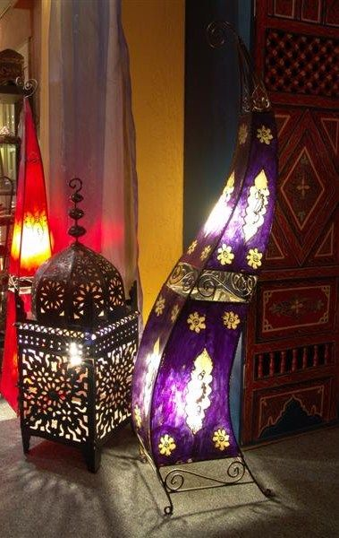 Moroccan Style lanterns let off some great patterns on the wall #moroccanlights #moroccanstylelamps